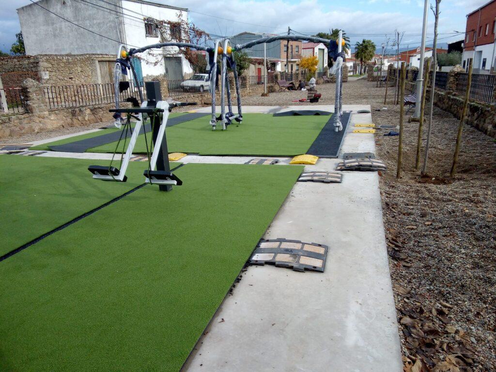 Instalar césped artificial en espacios urbanos